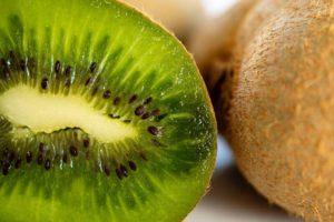 coaja de kiwi beneficii