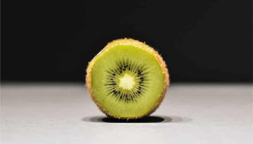 kiwi fruct vegan