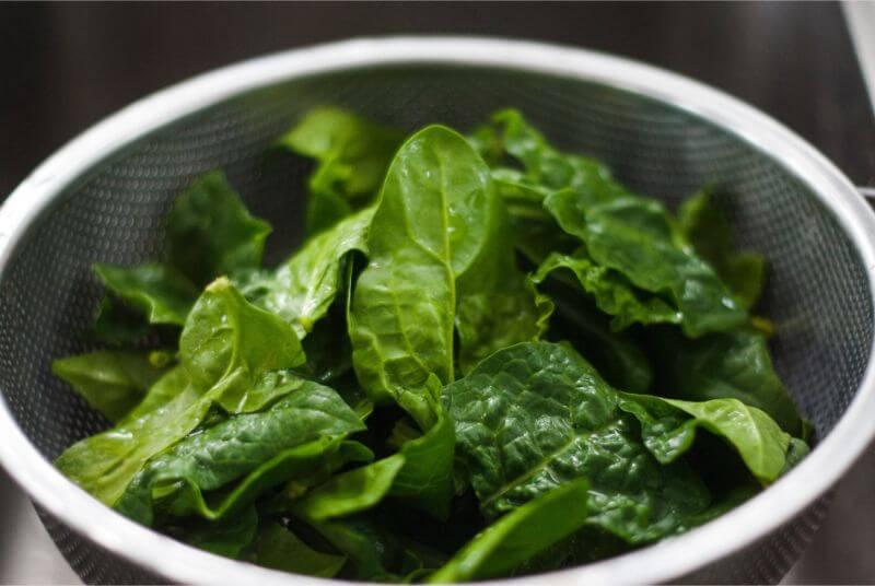frunze de spanac vitamine